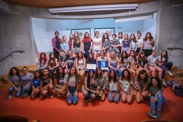 Alumnas del IZV participan en el Campus Tecnológico para chicas de la UGR